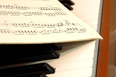 音楽教室、楽器教室に通いたいけれど…始めてみませんか?